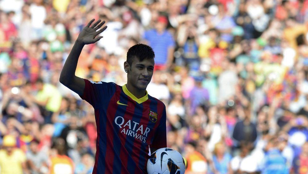 Neymar wechselte 2013 zum FC Barcelona - Bildquelle: AFPSIDLLUIS GENE