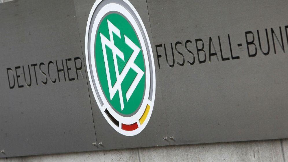 Die Staatsanwaltschaft Frankfurt ermittelt gegen den DFB - Bildquelle: AFPSIDDANIEL ROLAND