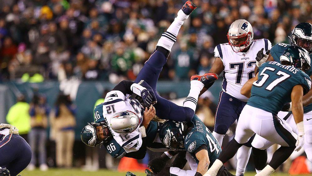 """Kommt ein """"GOAT"""" geflogen: Bei der Neuauflage des Super Bowl LII zwischen de... - Bildquelle: Getty Images"""
