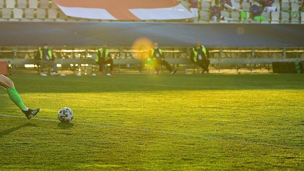 Corona-Ausbruch: Englands U21 fährt nicht nach Rumänien - Bildquelle: AFPSIDJURE MAKOVEC