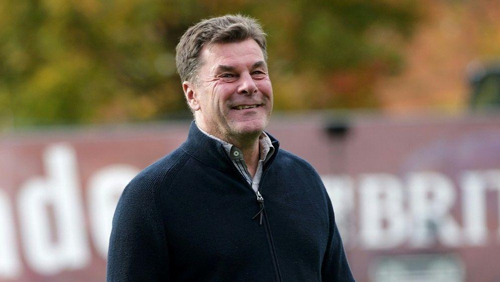 Dieter Hecking steht wieder auf dem Trainingsplatz - Bildquelle: PIXATHLONPIXATHLONSID