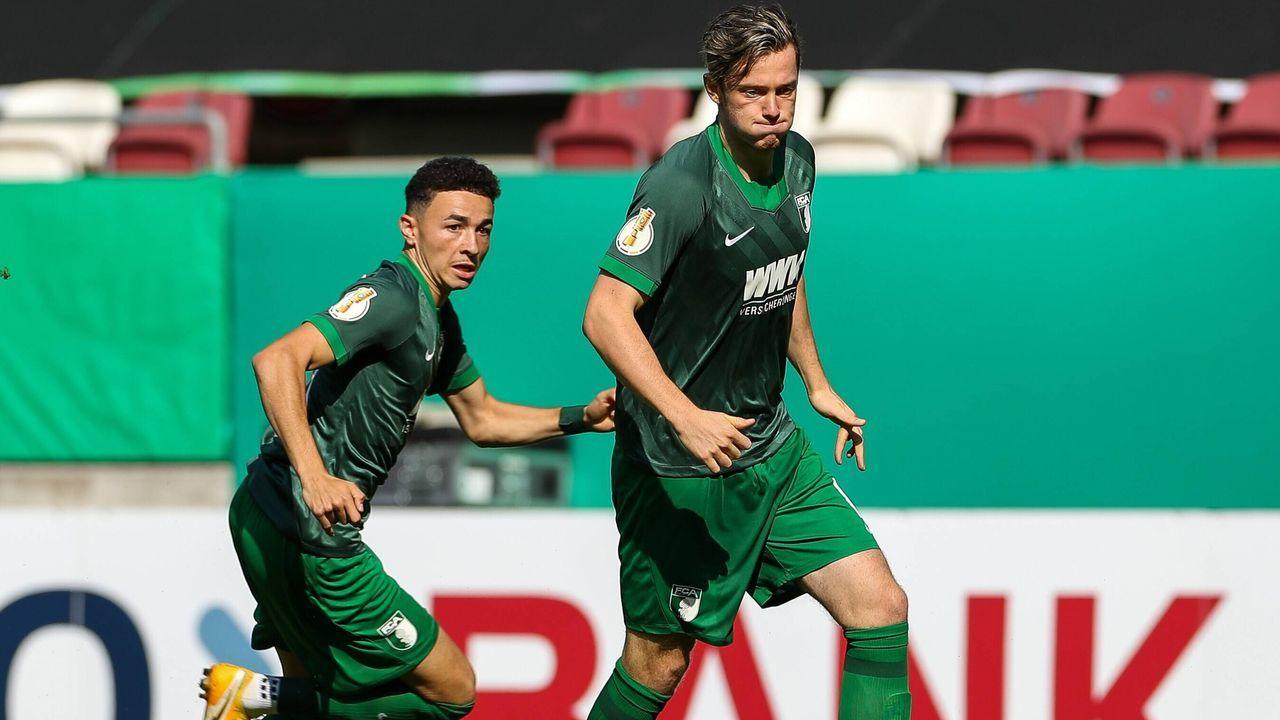 FC Augsburg (vier Spieler) - Bildquelle: imago images/kolbert-press
