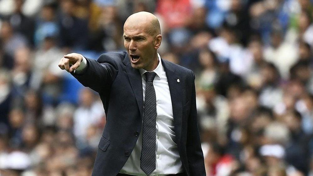 Zidane ist aus dem Trainigslager von Real abgereist - Bildquelle: AFPSIDPIERRE-PHILIPPE MARCOU