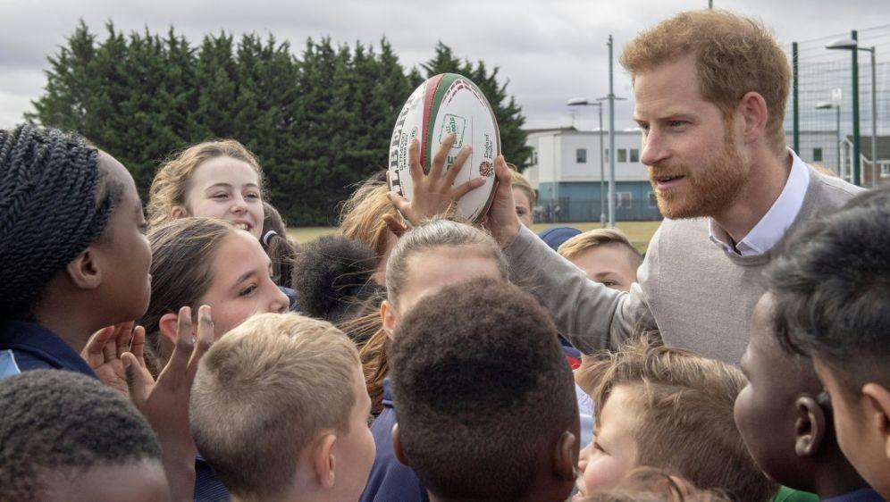 Harry ist großer Rugby-Fan und fliegt zum WM-Finale - Bildquelle: POOLPOOLSIDARTHUR EDWARDS