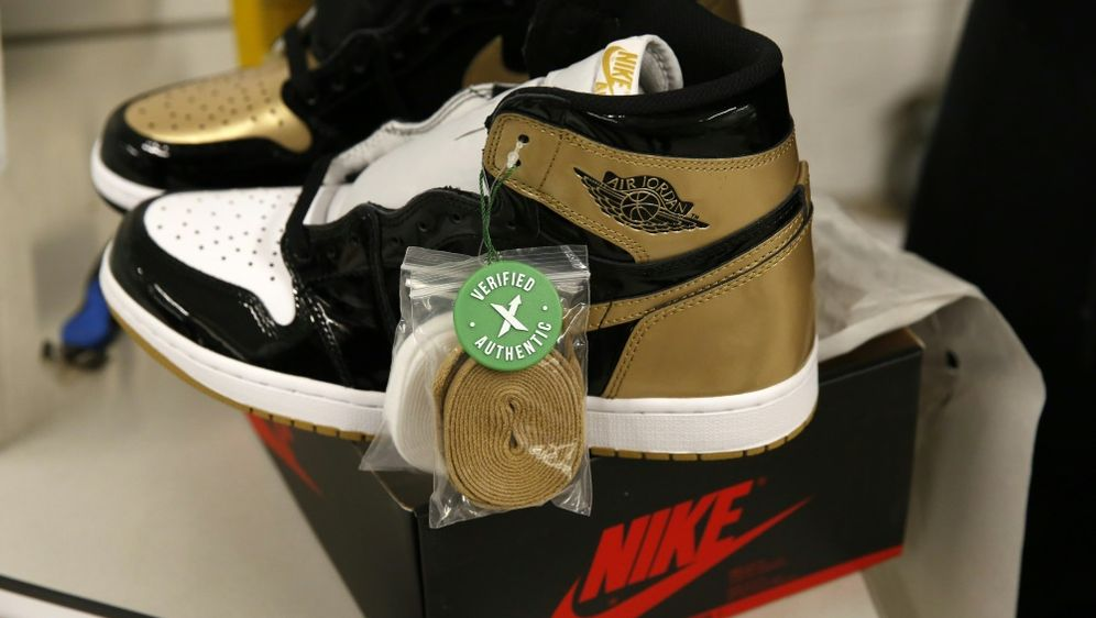 Sneaker von NBA Legende Jordan bringt Rekordsumme