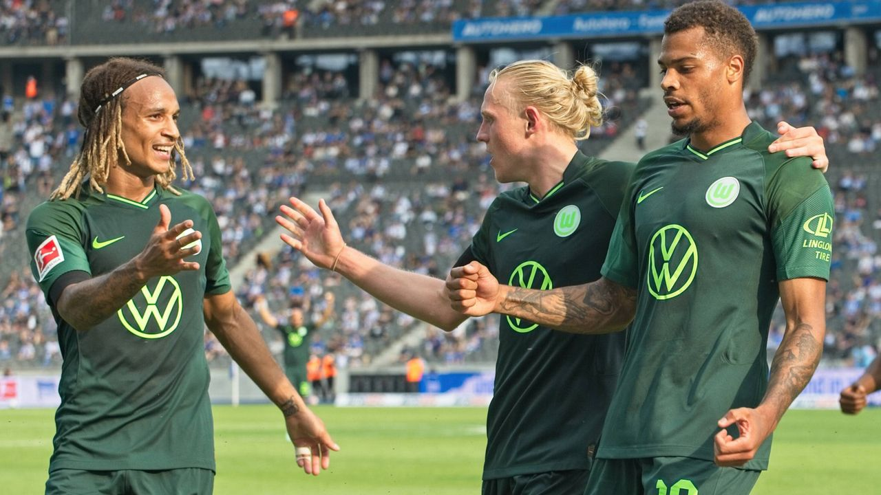 Platz 8: VfL Wolfsburg  - Bildquelle: imago images/Eibner