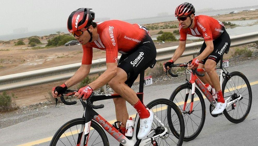 Max Walscheid (l.) verlässt das Team Sunweb - Bildquelle: AFPSIDGIUSEPPE CACACE