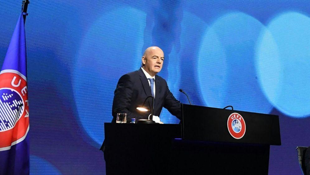 UEFA kritisiert erneut die WM-Pläne der FIFA - Bildquelle: AFPSIDRICHARD JUILLIART
