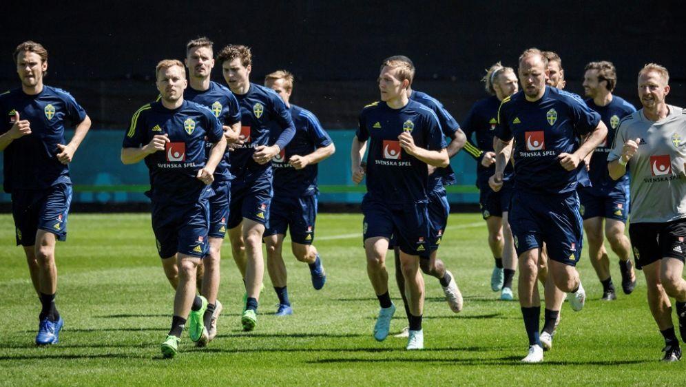 Schwedisches Team ist vom Eriksen-Drama schwer betroffen - Bildquelle: AFPSIDERIK SIMANDER