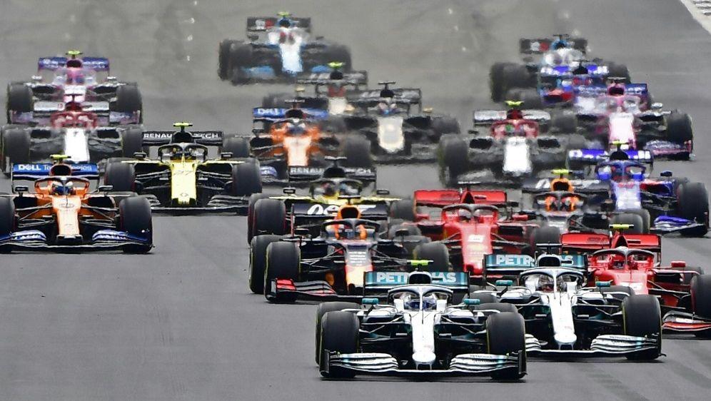 Die Silverstone-Rennen finden am 2. und 9. August statt - Bildquelle: AFPSIDANDREJ ISAKOVIC