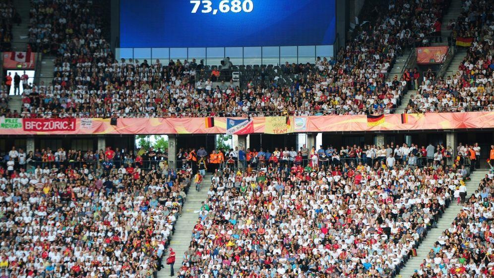 73.680 Zuschauer sahen das WM-Eröffnungsspiel 2011 - Bildquelle: AFPSIDJOHANNES EISELE