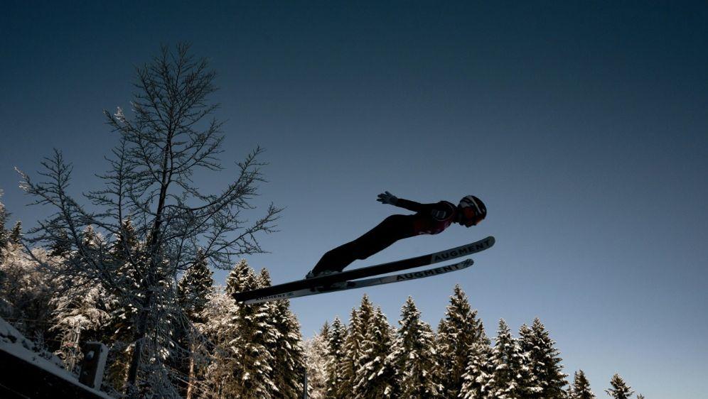 Die Frauen starten am 18. Dezember in den Weltcup - Bildquelle: AFPSIDJEFF PACHOUD