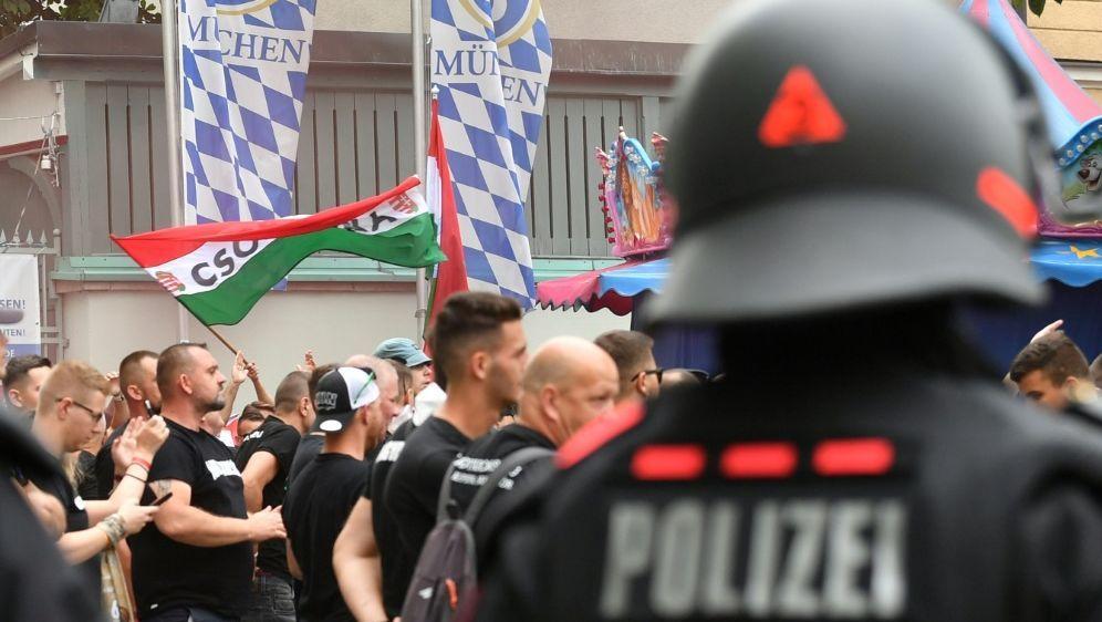Bisher keine Ausschreitungen in München - Bildquelle: AFPSIDKERSTIN JOENSSON