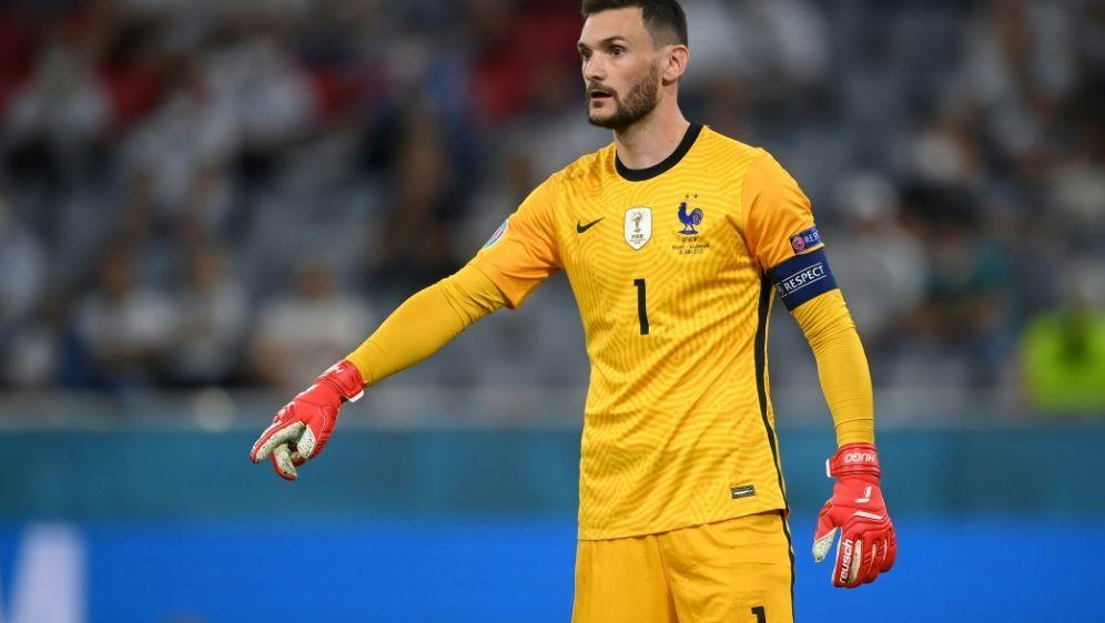 Lloris schwört das Team gegen Portugal ein - Bildquelle: AFPPOOLAFPMatthias Hangst
