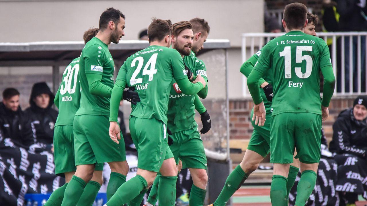 1. FC Schweinfurt (4. Liga) - Bildquelle: imago/HMB-Media