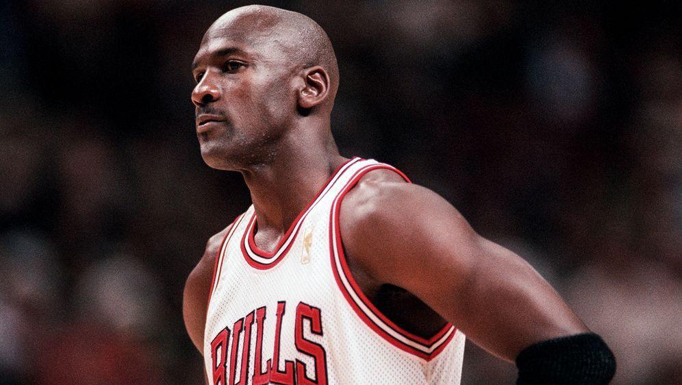 """Michael Jordan will im legendären """"Flu-Game"""" nicht an einer Grippe erkrankt ... - Bildquelle: Imago"""