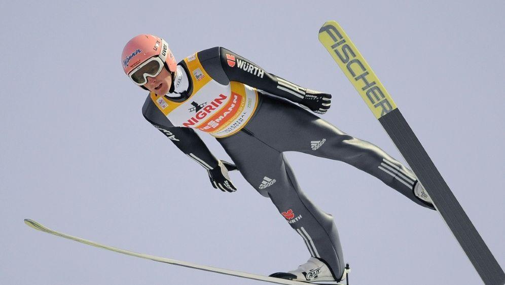 Severin Freund springt in Klingenthal auf Rang sieben - Bildquelle: PIXATHLONPIXATHLONSID