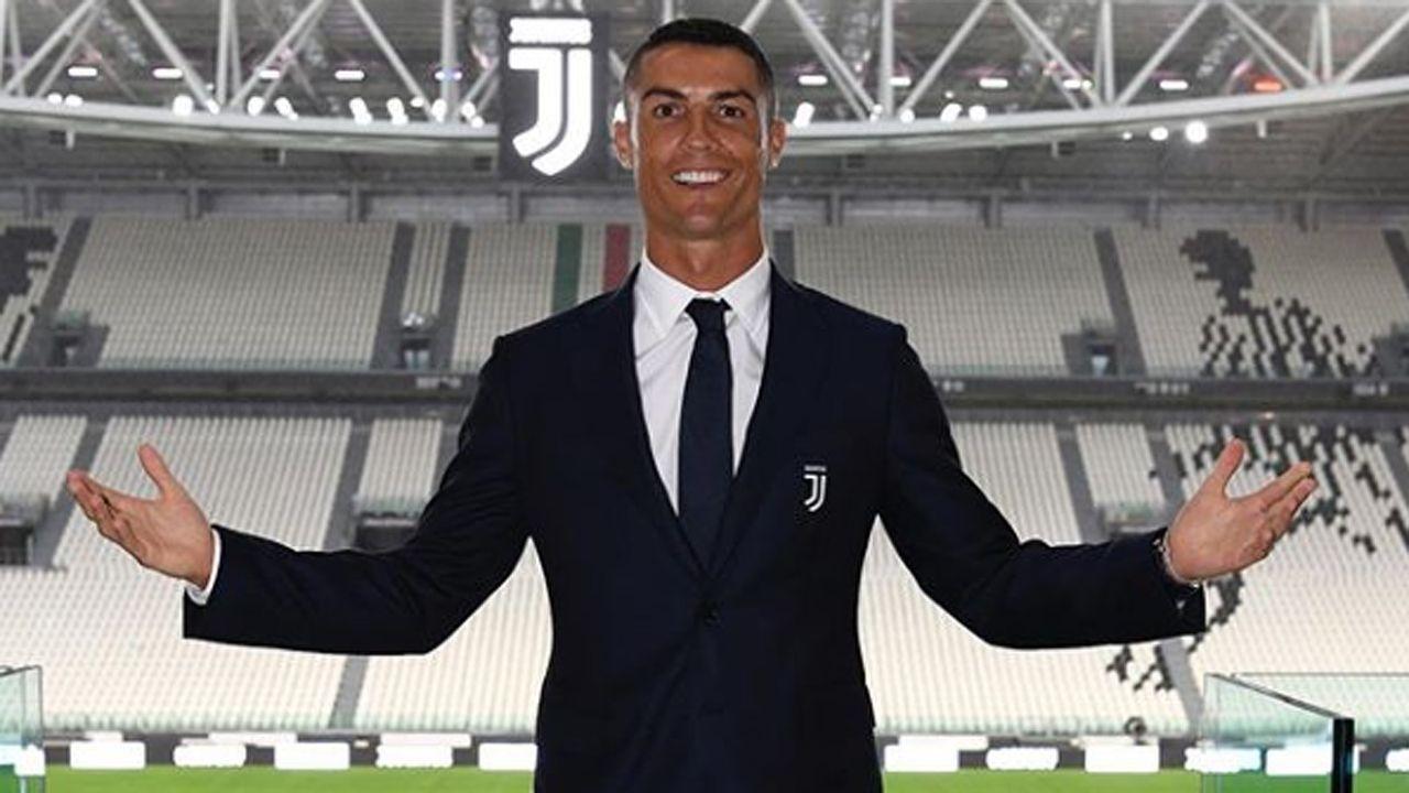 Cristiano Ronaldo bei der Vorstellung in Turin - Bildquelle: cristiano/instagram