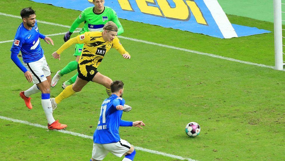 Am Samstagabend bekommt es Borussia Dortmund auswärts mit Hertha BSC zu tun. - Bildquelle: Getty Images