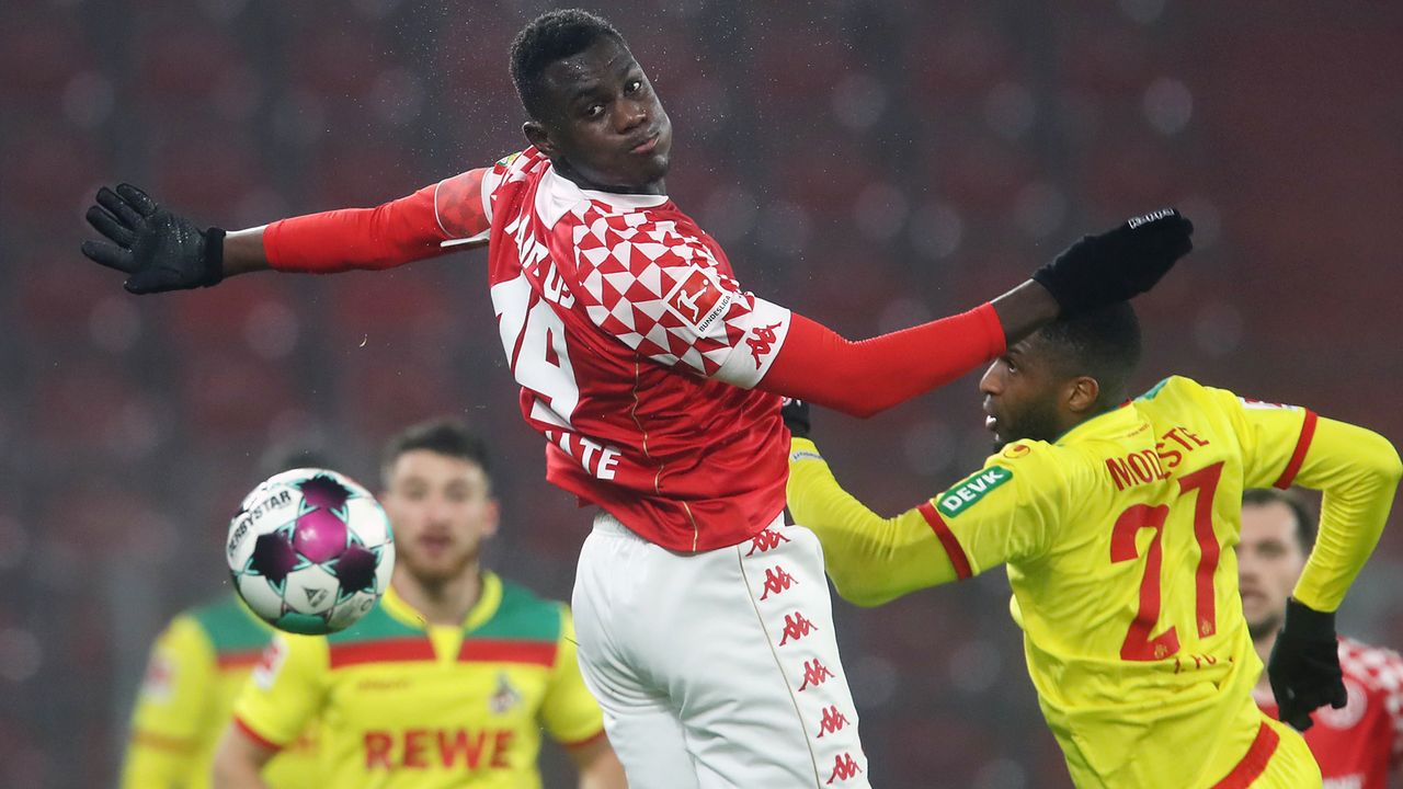 Abwehr: Moussa Niakhate (1. FSV Mainz 05) - Bildquelle: Getty Images