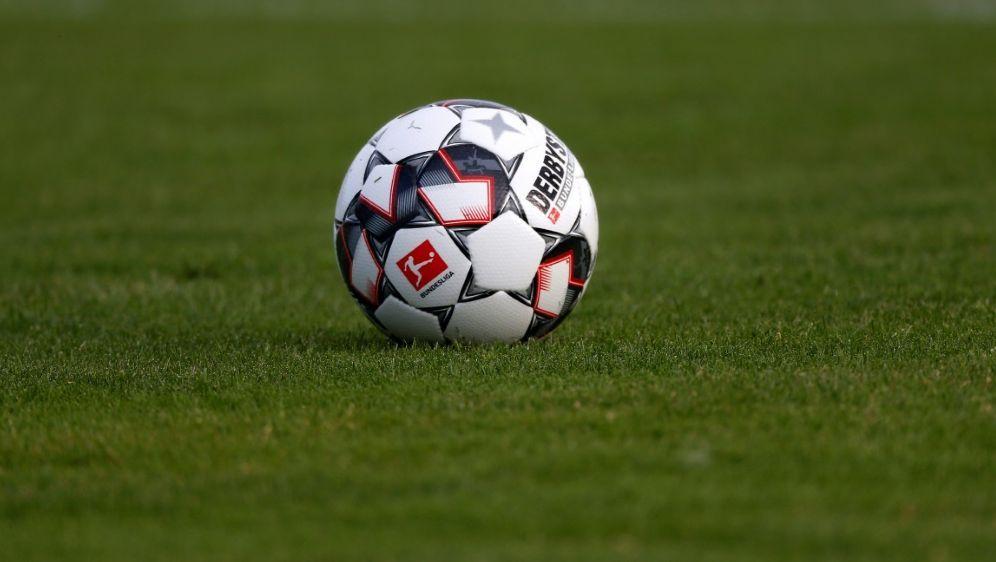 Ein Fan verstarb vor der Bundesliga-Partie in Berlin - Bildquelle: PIXATHLONPIXATHLONSID