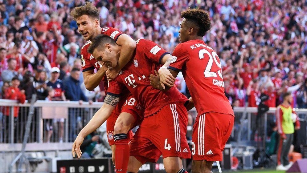 Die Bayern feiern dank Süle (Mitte) einen Arbeitssieg gegen Bremen - Bildquelle: 2019 Getty Images