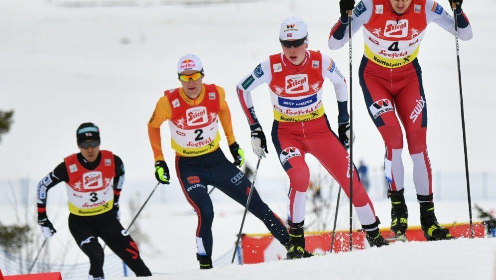 Am Freitag starten die Kombinierer in den Weltcup-Winter - Bildquelle: BARBARA GINDL  APA  AFP SIDBARBARA GINDL