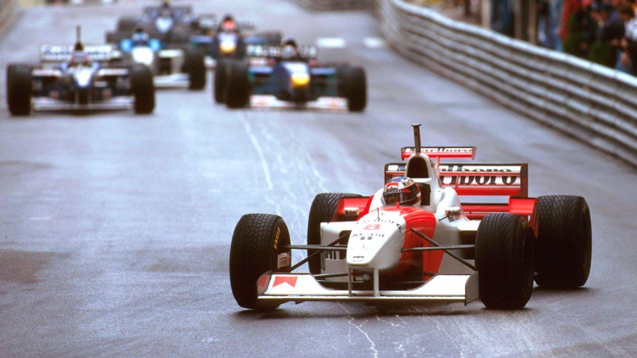 1996: Coulthard mit Schumi-Helm - Bildquelle: imago images / Motorsport Images