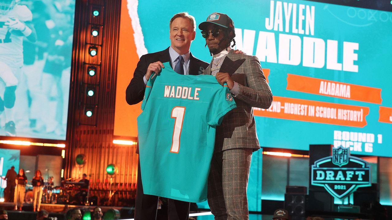 6. Pick - Jaylen Waddle (Wide Receiver, Miami Dolphins) - Bildquelle: 2021 Getty Images