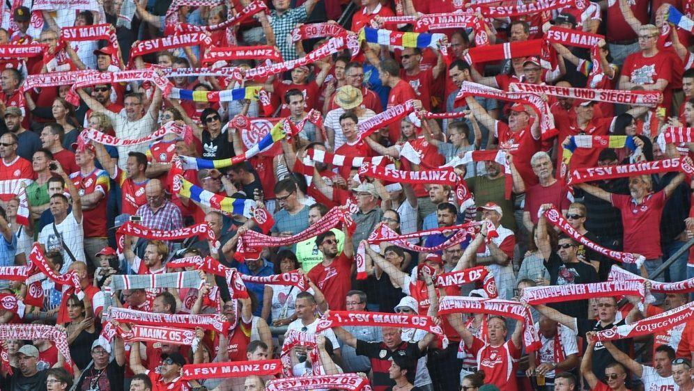 FSV Mainz 05 subventioniert Fanbusse nach Köln - Bildquelle: PIXATHLONPIXATHLONSID