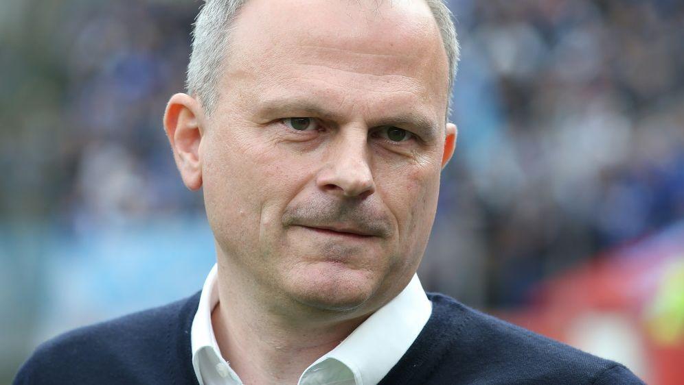 Jochen Schneider will Neuzugänge besser integrieren - Bildquelle: firo Sportphotofiro SportphotoSIDfiro Sportphoto Jrgen Fromme