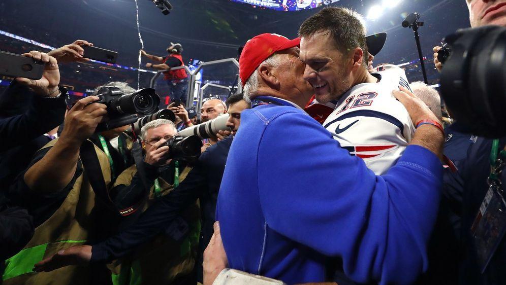 Tom Brady Sr. war bei den Triumphen seines Sohnes mit den Patriots dabei - Bildquelle: Getty