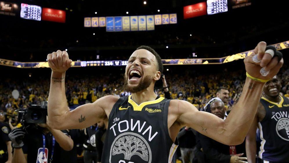 Auf Kurs: Stephen Curry und die Golden State Warriors - Bildquelle: GETTY AFPSIDEZRA SHAW