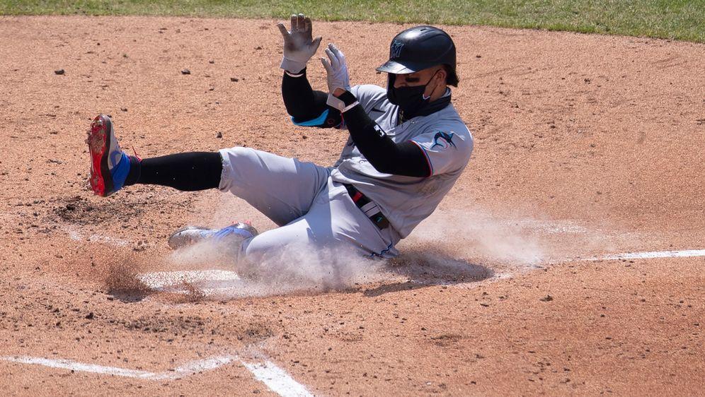 Beim Spiel der Miami Marlins bei den Philadelphia Phillies spielten einige A... - Bildquelle: getty