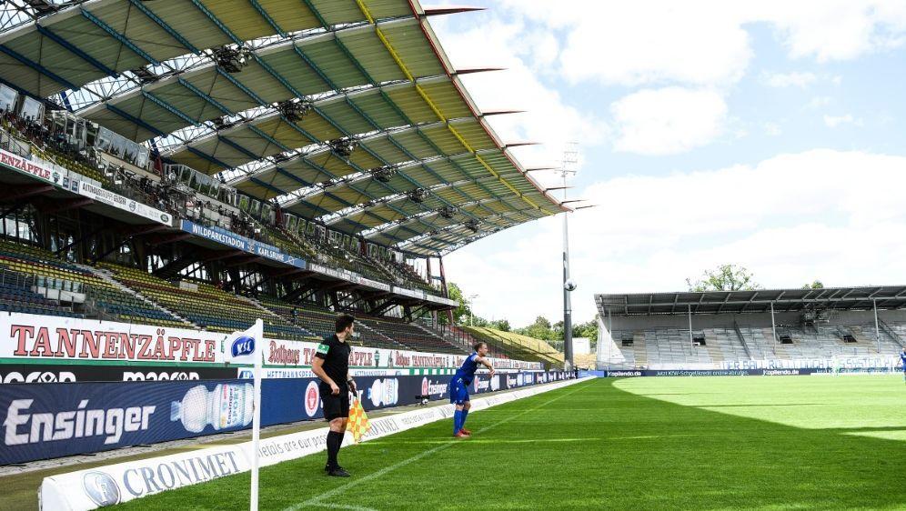 Die Einnahmen sollen in den Ausbau des Stadions fließen - Bildquelle: FIROFIROSID