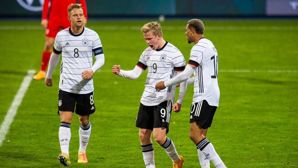 Erstmals werden die Spiele der UEFA U21-Europameisterschaft auf ProSieben zu... - Bildquelle: imago images/Noah Wedel