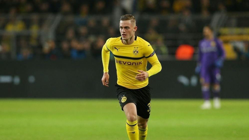 Dortmunds Jacob Bruun Larsen steht im Kader Dänemarks - Bildquelle: FIROFIROSID