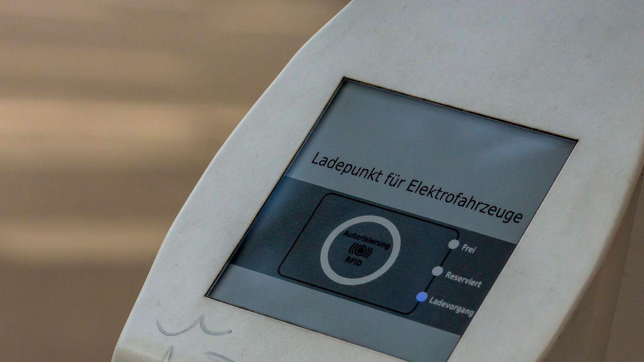 Stromnetz Hamburg/Hamburg Energie - Bildquelle: imago images/Manngold