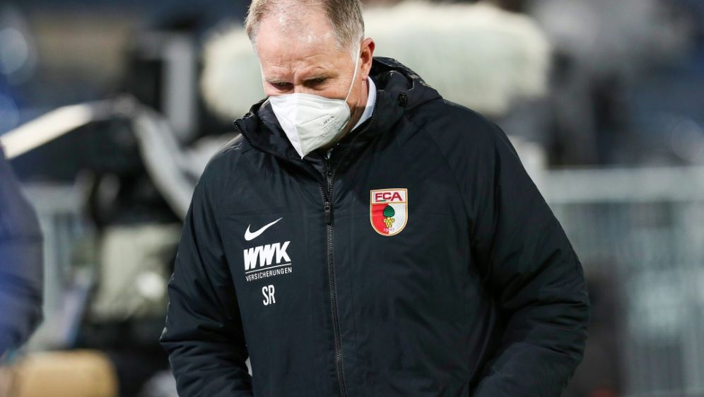 FC Augsburgs Geschäftsführer Stefan Reuter - Bildquelle: FIROFIROSID