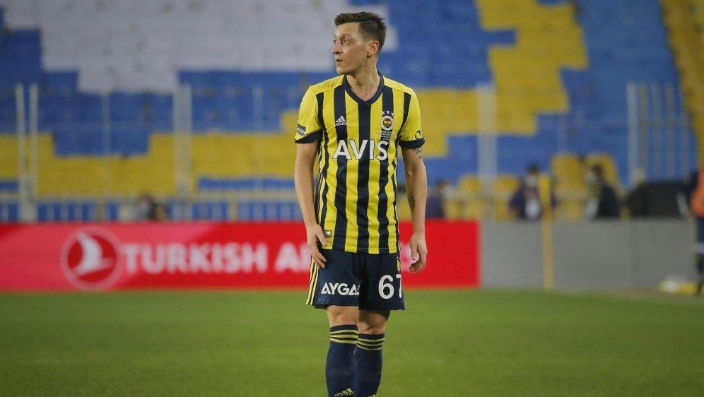 Özil spielte zum ersten Mal seit dem 21. Februar durch - Bildquelle: AFPSIDKENAN ASYALI