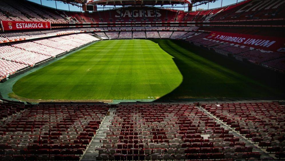 Die UEFA hält an ihrem CL-Turnier in Lissabon fest - Bildquelle: AFPSIDCARLOS COSTA