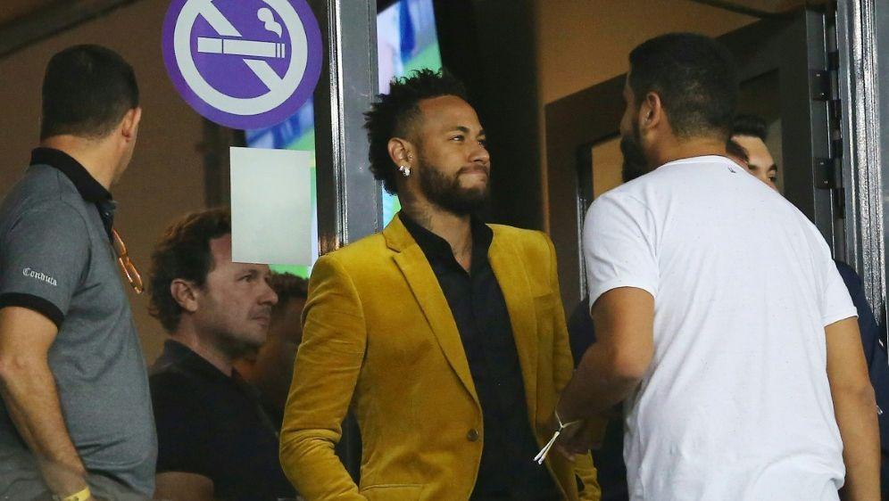 Neymar (Mitte) will wohl zurück nach Spanien wechseln - Bildquelle: PIXATHLONPIXATHLONSID