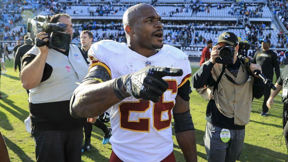 Adrian Peterson will seinen Vertrag bei den Redskins verlängern. - Bildquelle: 2019 Getty Images