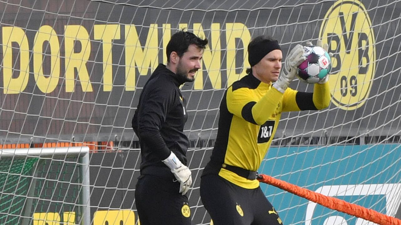 1. Dortmund braucht mehr Qualität zwischen den Pfosten - Bildquelle: imago images/Team 2