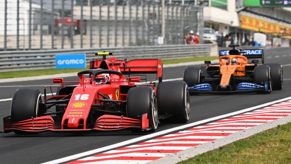 Ferrari kämpft derzeit nicht gegen Mercedes, sonder eher gegen McLaren. - Bildquelle: Motorsport Images