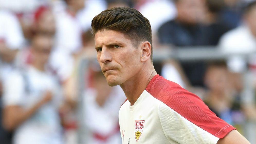 Gomez bleibt trotz des Abstiegs beim VfB Stuttgart - Bildquelle: AFPSIDTHOMAS KIENZLE