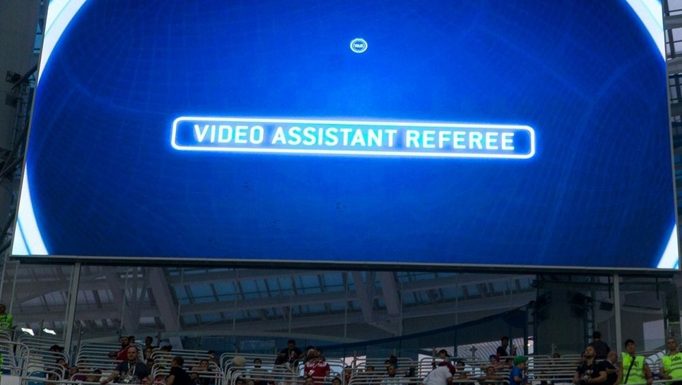 Der Videobeweis soll bald auch in der CL helfen - Bildquelle: PIXATHLONPIXATHLONSID