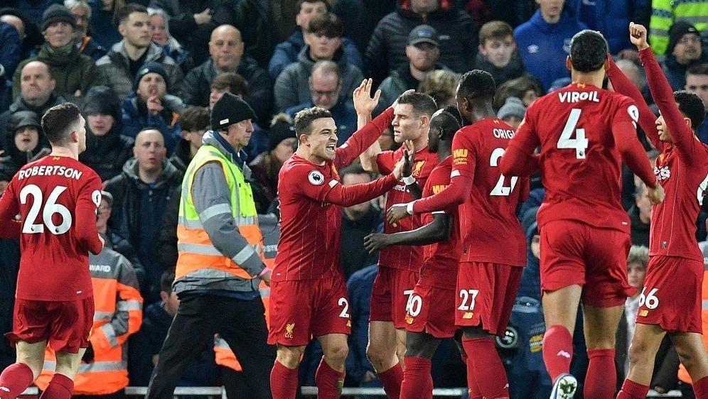 Xherdan Shaqiri erzielt das 2:0 für den FC Liverpool - Bildquelle: AFPSIDPAUL ELLIS