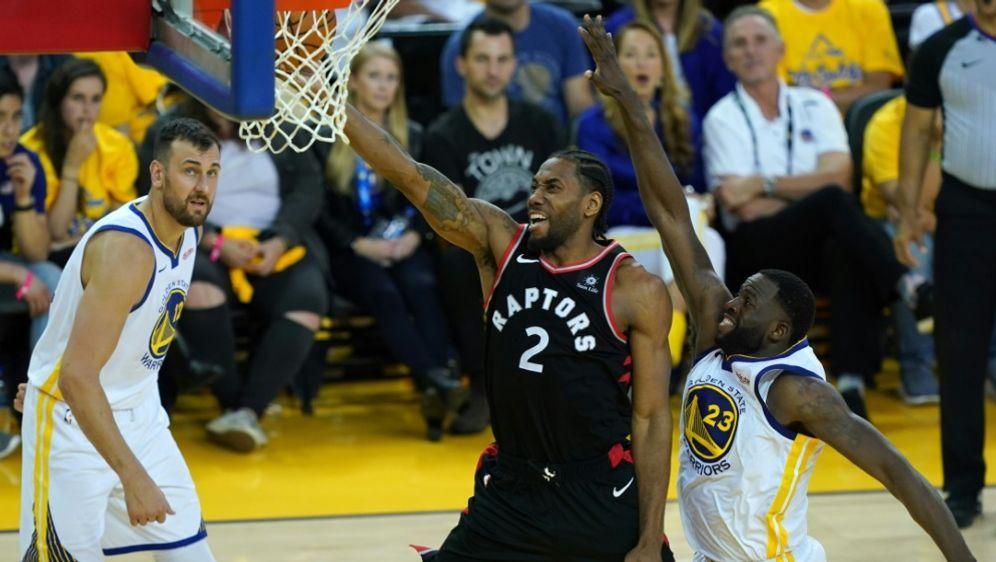 Leonard steuerte 30 Punkte zum Sieg der Raptors bei - Bildquelle: GETTY AFPSIDThearon W. Henderson