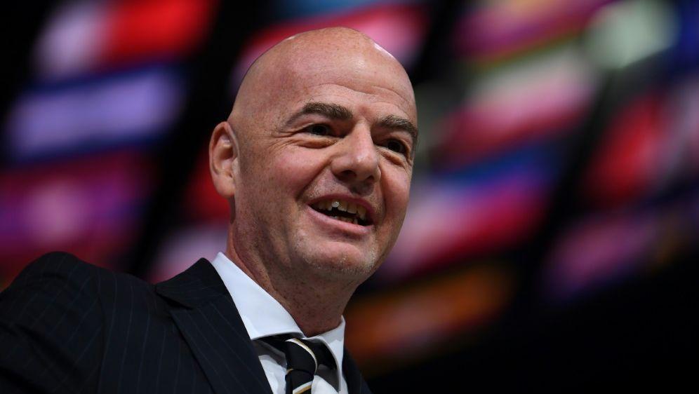 Freut sich über die Umsatzsteigerung: Gianni Infantino - Bildquelle: AFPSIDFRANCK FIFE
